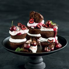Sibas Table Recipes, Cupcake Recipes, My Recipes, Black Forest Cake, Buffet, Christmas Lunch, Small Cake, Mini Desserts, Sweet Cakes