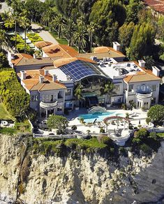 $$$   $62,000,000 Cliffside oceanfront mega mansion in Malibu, CALIFORNIA... Literally living life on the edge  $$$