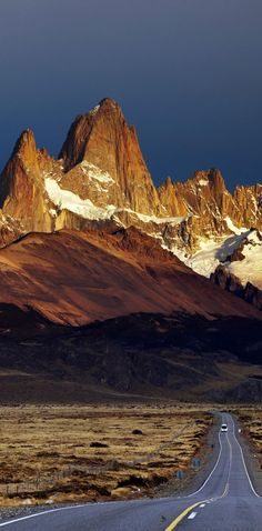 Road to Mount Fitz Roy. Los Glaciares National Park, Patagonia, Argentina | 23 Roads you Have to Drive in Your Lifetime