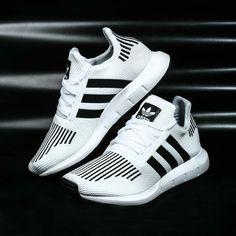 premium selection 41243 7a165 Wht  Blk ADIDAS Zapatos Adidas Mujer, Calzado Adidas, Zapatillas Mujer, Zapatillas  Nike