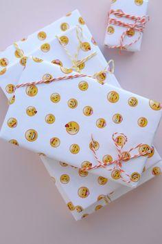 Free Printable Emoji Wrapping Paper