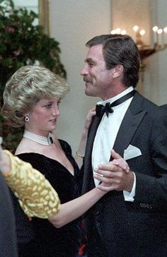 Dancing with Dirty Harry: Unseen pictures of Diana at White House gala show princess looking nervous in front of stars Princess Diana danced with Magnum, P.I actor Tom Selleck at the White House in Washington D. in September 1985 Tom Selleck Blue Bloods, Sir Tom Jones, Lady Diana Spencer, Princesa Diana, Hollywood Celebrities, Actor Model, Classic Movies, Movie Stars, Actors & Actresses