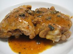 Gina's Skinless Chicken Thighs with Shallots in Red Wine Vinegar (Poulet Au Vinaigre) Skinny Recipes, Turkey Recipes, Meat Recipes, Cooking Recipes, Weight Watchers Chicken, Weight Watchers Meals, Chicken Thights Recipes, Hungarian Recipes, Healthy Chicken Recipes