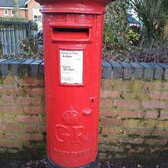 #postbox in front of cemetery of commonwealth war heroes. चटठ न कई सनदश जन व कनस दस  जह तम चल गए #letters #unitedkingdom #birmingham #ukdiaries #soulfultrips #travel #europe #eurotrip