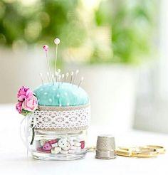Baby Food Jars - So clever. Reusing a baby food jar for a pin cushion Baby Jars, Baby Food Jars, Diys, Diy And Crafts, Arts And Crafts, Mason Jar Projects, Sewing Notions, Pin Cushions, Glass Jars