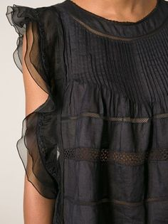 Shop Isabel Marant Ojima top in Changing Room from the worlds best independen Look Fashion, Fashion Details, Womens Fashion, Fashion Tips, Fashion Trends, Fashion Spring, Fashion Black, Petite Fashion, Ladies Fashion