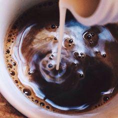 First cup of coffee in the morning is the best. Die erste Tasse Kaffee am Morgen ist die beste. But First Coffee, I Love Coffee, Coffee Break, My Coffee, Coffee Drinks, Morning Coffee, Coffee Shop, Coffee Cups, Coffee Milk