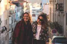 Having had enough of mainstream fashion, two Canadian fashion bloggers team up and go on a mission to find the best shopping spots in the world...