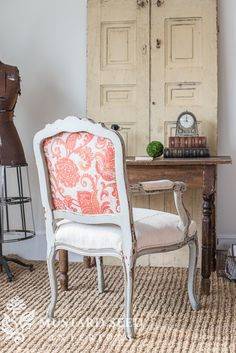 We are finally at our final installment of this video tutorial series on reupholstering a French style chair. It's time to frame out those upholstered panels and cover the staples with some gimp trim. In case you missed the first five parts, or need to reference them, here are the links… Part 1 – stripping the chair Part 2 – ... Read More