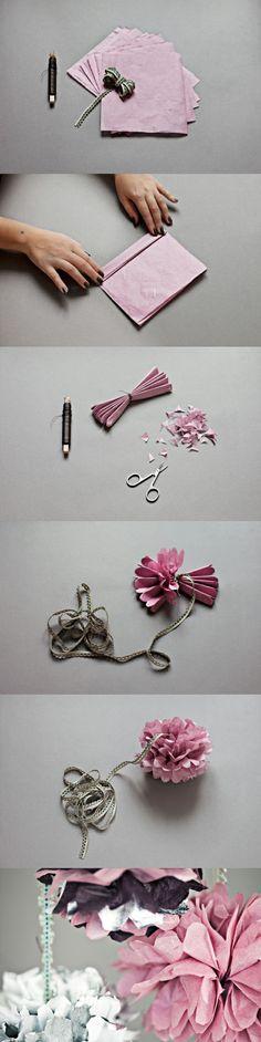 DIY Pom Pom,节日里的装饰花。