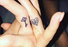 Tatouages couple coeur et clef