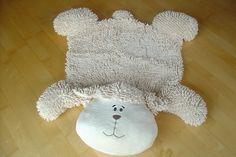 Grand tapis mouton pour la chambre de bébé, avec dessous anti dérapant. 95cm x 90cm. Norme C.E.