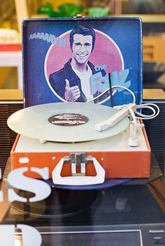 The Fonz - Record Player - Henry Winkler Old Records, Vintage Records, Vinyl Records, Vinyl Record Player, Record Players, Hifi Turntable, The Fonz, Vinyl Junkies, Cool Album Covers