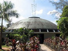 The Church of the Holy Sacrifice is the first circular church and the first thin-shell concrete dome in the Philippines Contemporary Architecture, Architecture Design, Filipino Architecture, Filipino Culture, Floor Murals, Historical Landmarks, Church Design, Sustainable Design, Building Design