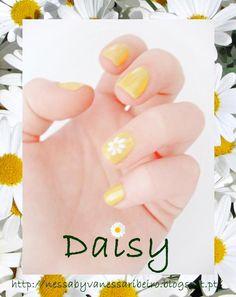 http://nessabyvanessaribeiro.blogspot.pt/2013/04/nails-daisy.html