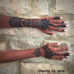 Black henna #henna #mehndi #design #art #detailed #pakistani #indian #desi #arab #somali #bride #wedding #bridalhenna #brown #brownhenna #blackhenna #mehndiartist #intricate #hennainspire #hennaartist #love #hennalove @henna_by_sana