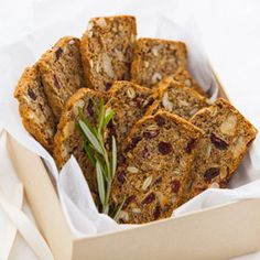 Rosemary Cranberry Crackers combine fruit and nuts for a delicious snack Baby Food Recipes, Snack Recipes, Cooking Recipes, Holiday Appetizers, Appetizer Recipes, Cranberry Walnut Bread, Walnut Bread Recipe, Healthy Toddler Snacks, Homemade Crackers