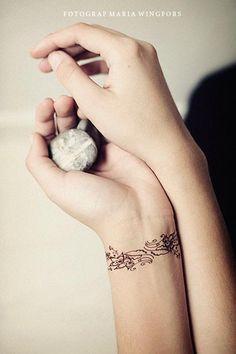 Romantic armbands Tattoo