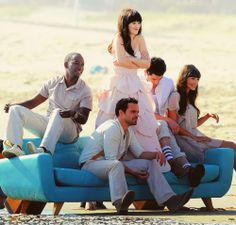 Jess & Nick & Schmidt & Winston & Cece from New Girl New Girl Memes, New Girl Funny, New Girl Tv Show, Girls Show, Zooey Deschanel Style, Zoey Deschanel, New Girl Nick And Jess, Jake Johnson, Jessica Day
