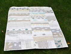 I love this SO much: Strip cot quilt, by Leslie Keating of Maze & Vale | Flickr - Photo Sharing.