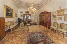 Dentro de la biblioteca del Palacio de San Antón en Malta.   23 Places Where You'd Rather Be Reading Right Now
