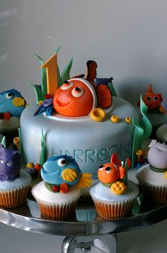 Finding Nemo cake....perfect for Bransons first bday