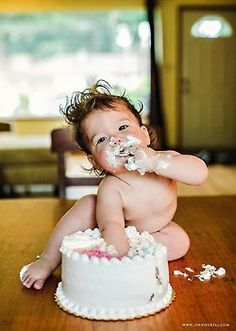 Now, that's how to eat cake :-) Baby Pictures, Baby Photos, Cute Pictures, Little Babies, Cute Babies, Baby Kids, Beautiful Children, Beautiful Babies, Little People