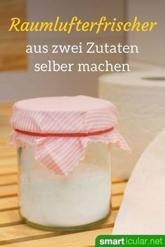 Natürlichen Raumlufterfrischer selber machen mit Natron If it smells bad in the bathroom or toilet, this inexpensive, homemade soda air freshener helps! He removes the smell instead of just covering it up. Bathroom Cleaning Hacks, Toilet Cleaning, Cleaning Diy, Deep Cleaning Tips, House Cleaning Tips, Natural Air Freshener, Savon Soap, Clean Baking Pans, Cleaning Painted Walls