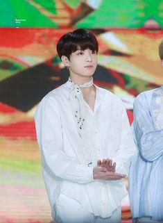 정국 • 180110 BTS won the 'Digital Song Division' Bonsang on the 1st day of The 32nd Golden Disc Awards!