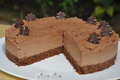 Tort de ciocolata fara coacere   Retete culinare cu Laura Sava - Cele mai bune retete pentru intreaga familie Deserts, Food, Essen, Postres, Meals, Dessert, Yemek, Eten, Plated Desserts