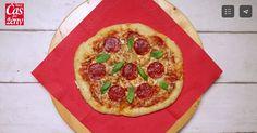Cesto bez miesenia je najlepšie, keď sa nechá kysnúť cez noc v chladničke. Na druhý deň vyčaríte domácu pizzu do pár minút!
