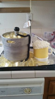 Beer keg and beer mug cake