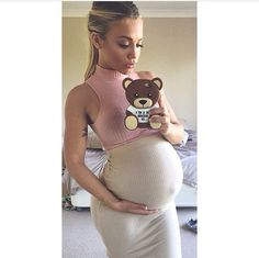 """chanel-and-louboutins: """"She makes pregnancy look too good 😍 """" ,😍😍😍 Cute Maternity Outfits, Pregnancy Outfits, Maternity Pictures, Maternity Wear, Pregnancy Photos, Maternity Fashion, Pregnancy Dress, Baby Bump Style, Mommy Style"""