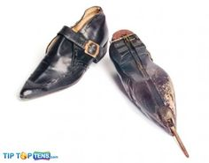Dagger Shoes - 10 Awesome Gadgets from James Bond James Bond Gadgets, Men's Shoes, Dress Shoes, Spy Gear, Dress Up Costumes, Gas Pumps, Crazy Shoes, Weird Shoes, Brogues