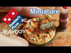 도미노피자 씨푸드퐁듀 1.✔ 미니어쳐 음식 Domino's Pizza seafood ✔ miniature polymerclay tutorial ▼이브미니어쳐 유튜브 구독 하기: http://www.youtube.com/subscription_center? --------------...