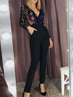 ( link) V-Neck Wrap Long Sleeve Sequin Top Nye Outfits, Night Outfits, Classy Outfits, Casual Outfits, Classy Party Outfit, Holiday Outfits Women, Vegas Outfits, Woman Outfits, Club Outfits