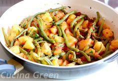 padella di fagiolini al sugo con patate
