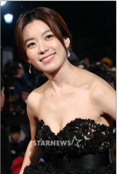 Han Hyo-Ju 한효주 청룡영화제 9p