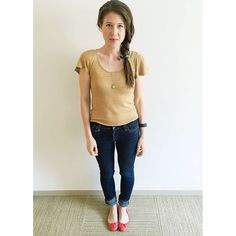 The closer we get to 4th of July weekend the more casual my outfits become...  | Taupe and yellow striped linen tee with fluttery sleeves from @madewell Skinny jeans and classic ballets flats in poppy from @jcrew  #howtojcrew #ootd #aotd #hauteinjune