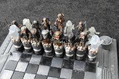 Aliens vs Predator chessboard