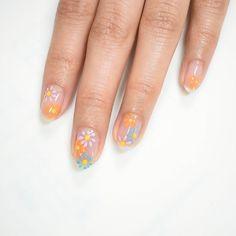 Daisy Nail Art, Daisy Nails, Flower Nail Art, Cute Acrylic Nails, Cute Nails, Pretty Nails, Nail Art Designs Videos, Nail Art Videos, Cute Nail Art Designs