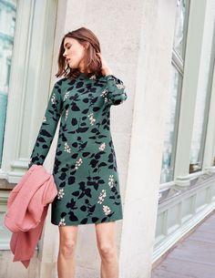 Hochgeschlossenes Kleid WW101 Kleidung bei Boden