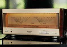 Technics SE-A 7000 stereo power amp.