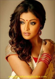 indian hairstyles for saree (9)