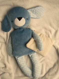 Amazing Home Sewing Crafts Ideas. Incredible Home Sewing Crafts Ideas. Love Sewing, Sewing For Kids, Fabric Toys, Fabric Crafts, Pdf Sewing Patterns, Doll Patterns, Sewing Toys, Sewing Crafts, Softie Pattern