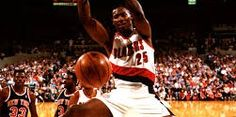 Jerome Kersey has passed away. The former NBA power forward was 52 years old at the time of his death. Power Forward, Hoop Dreams, Nba Stars, Portland Trailblazers, Trail Blazers, San Antonio, Basketball Court, Sports, Black