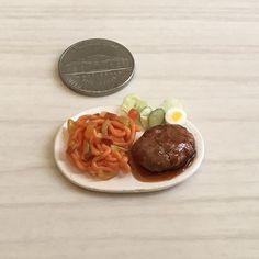 #ナポリタン #ハンバーグ #サラダ #neapolitan #hamburgsteak #salad #yummy #yum #lunch #dinner  #handmade #claywork #miniature #fakefood