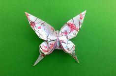 Wunderschöne Schmetterlinge basteln – Origami Community : Explore the best and the most trending origami Ideas and easy origami Tutorial Origami Design, Origami Diy, Modular Origami, Paper Crafts Origami, Oragami, Origami Gifts, Origami Folding, Origami Butterfly, Origami Stars