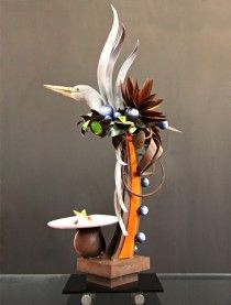 Dean Gibson's chocolate showpiece design for the international Asian Pastry Cup He used a custom mold by The Chicago School of Mold Making British Chocolate, Chocolate Work, Divine Chocolate, Pastry Art, Pastry Chef, British Candy, Patisserie Design, Chocolate Showpiece, Chocolate Chip Cupcakes