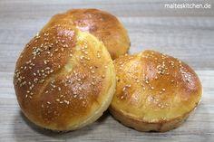 Brioche Brötchen, die perfekt als Burger Bun zu gebrauchen sind. Fluffig und sehr mild im Geschmack, auch super zum Frühstück :)